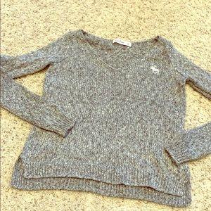 Girls Abercrombie gray sparkle thread V-neck